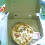 Personal pan pizza takeaway