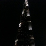 The Khalifa lit at night