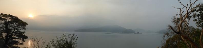 taiwan-sunmoon-lake-sunrise