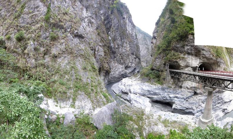 taroko-gorge-swallows-grotto