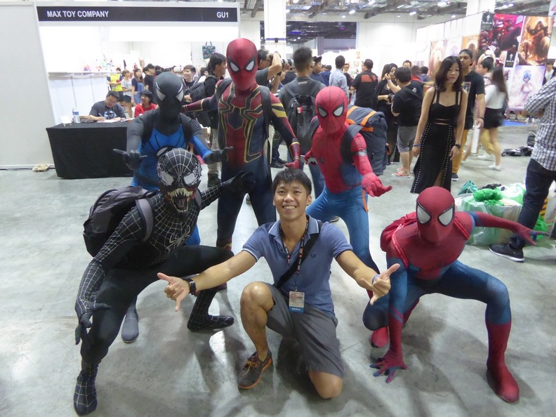 Cosplayer Spiderman group