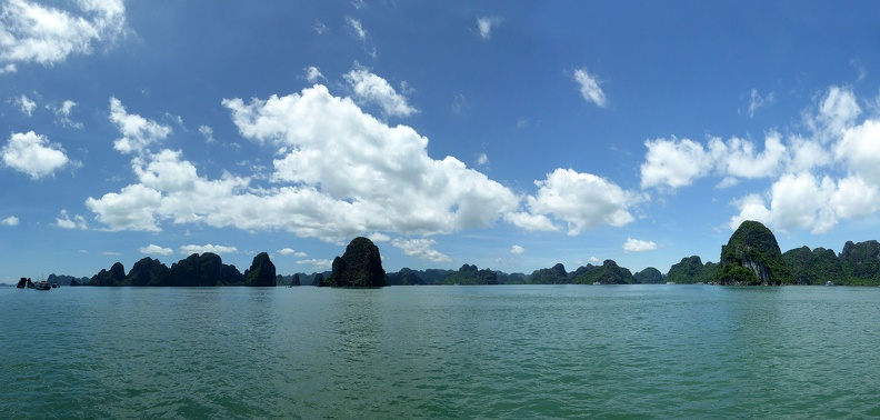 ha-long-bay-panorama
