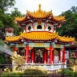 taipei-maokung-hill-gondola-tea-temple