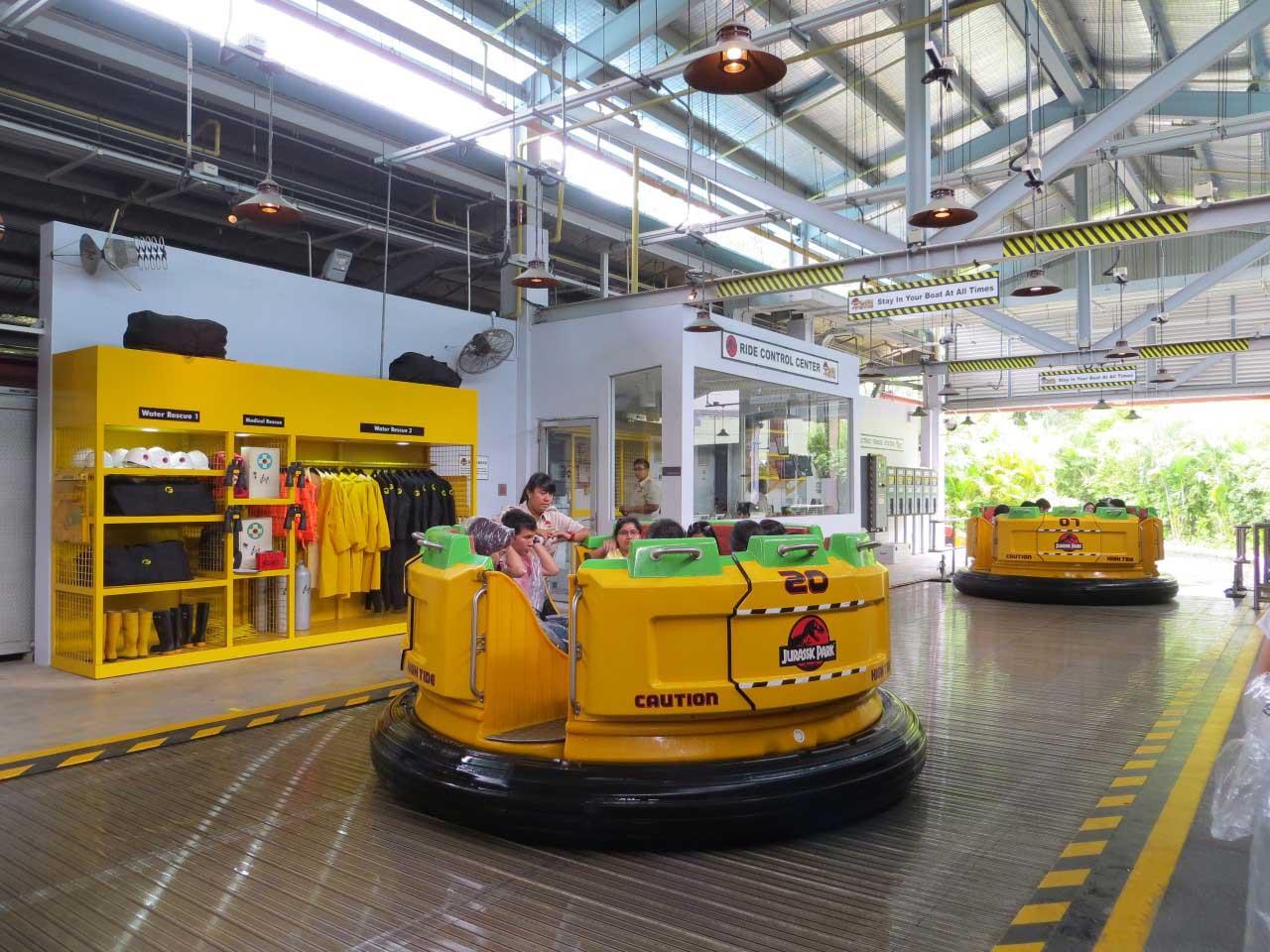 95f519b66c7 Universal Studios Singapore Jurassic Park Lost World and Water World ...