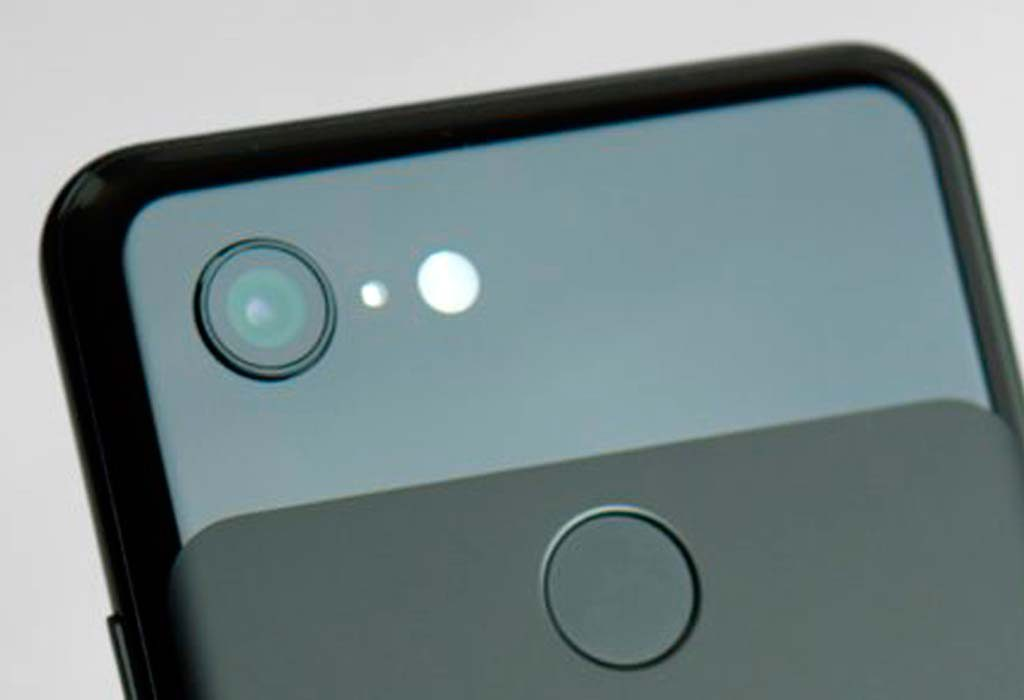 The Pixel 3a in black with its single rear facing camera. Fantastic photos is one of the phone's main selling feature.