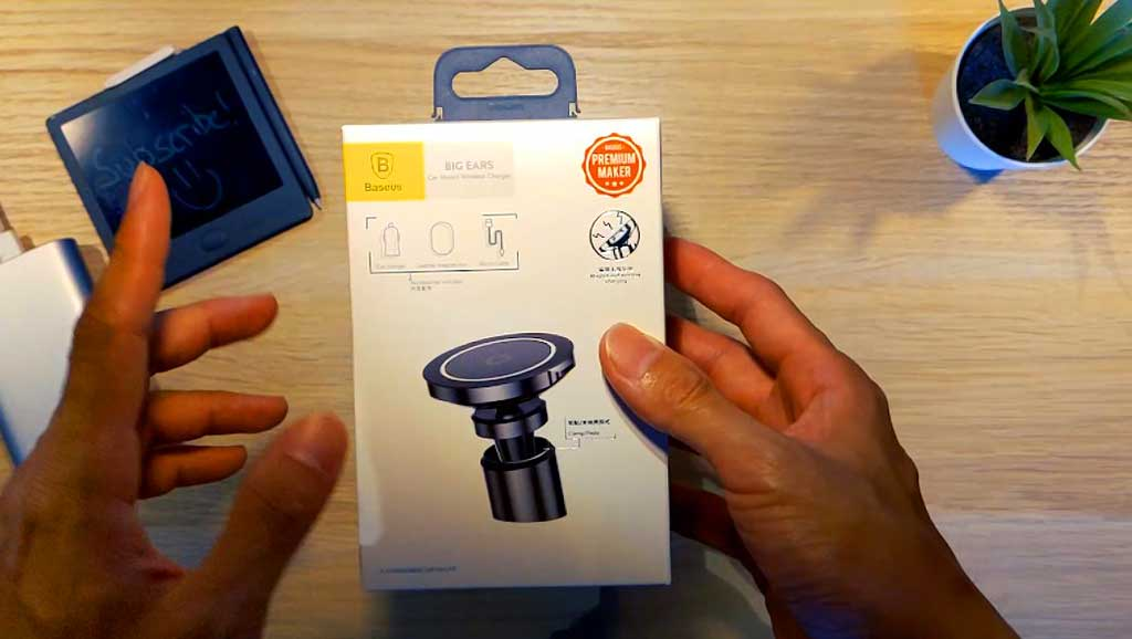 Lets check out the BaseUS wireless inductive car charger